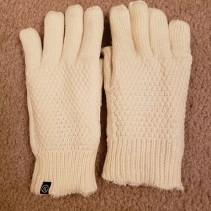 NWOT Isotoner Gloves in Cream, One Size
